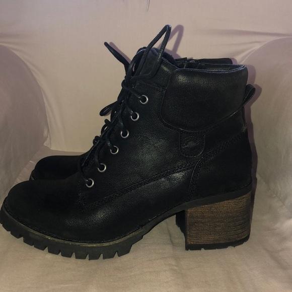 Crown Vintage Calista boots